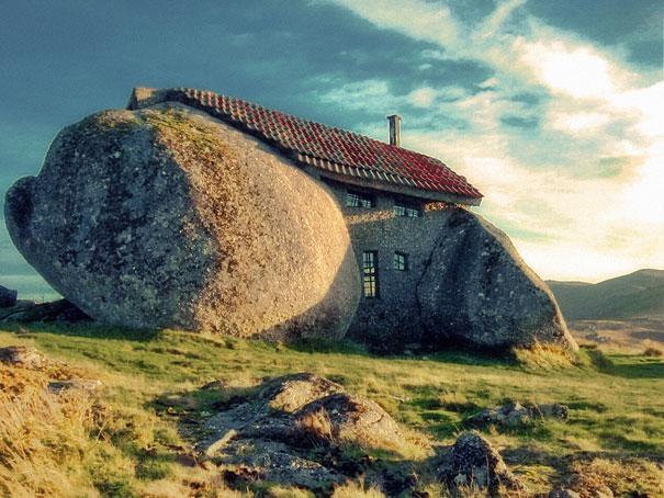 http://static.boredpanda.com/blog/wp-content/uuuploads/unusual-homes/unusual-homes-9-1.jpg